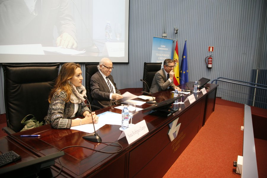 Conferencia inaugural do curso monográfico sobre ética pública e medios para previr a corrupción